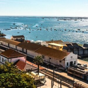 Faro train -strategic places to admire historic rolling stock